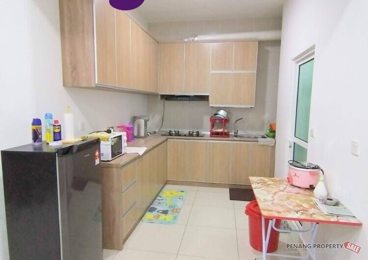 Solaria Residences at Bayan Lepas 1115sqft POOLVIEW Fully Furnished